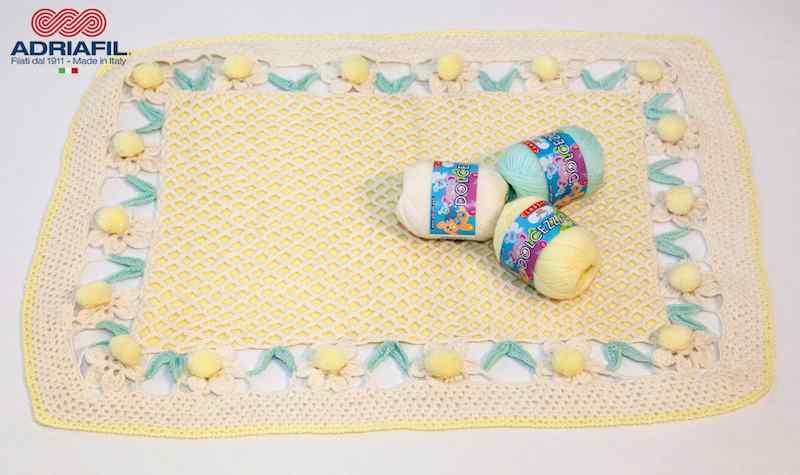 Adriafil Dolcezza Baby Pattern - 1512 Blanket with Daisies