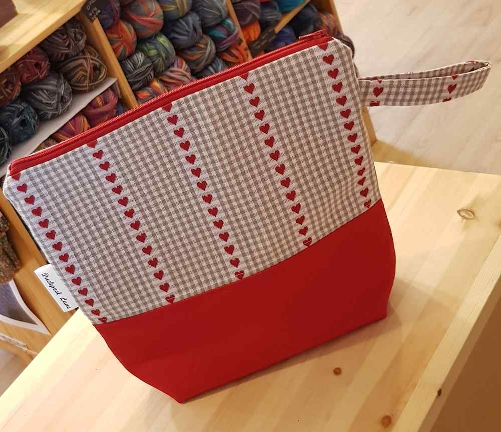 Medium Zipped Project Bag Hearts
